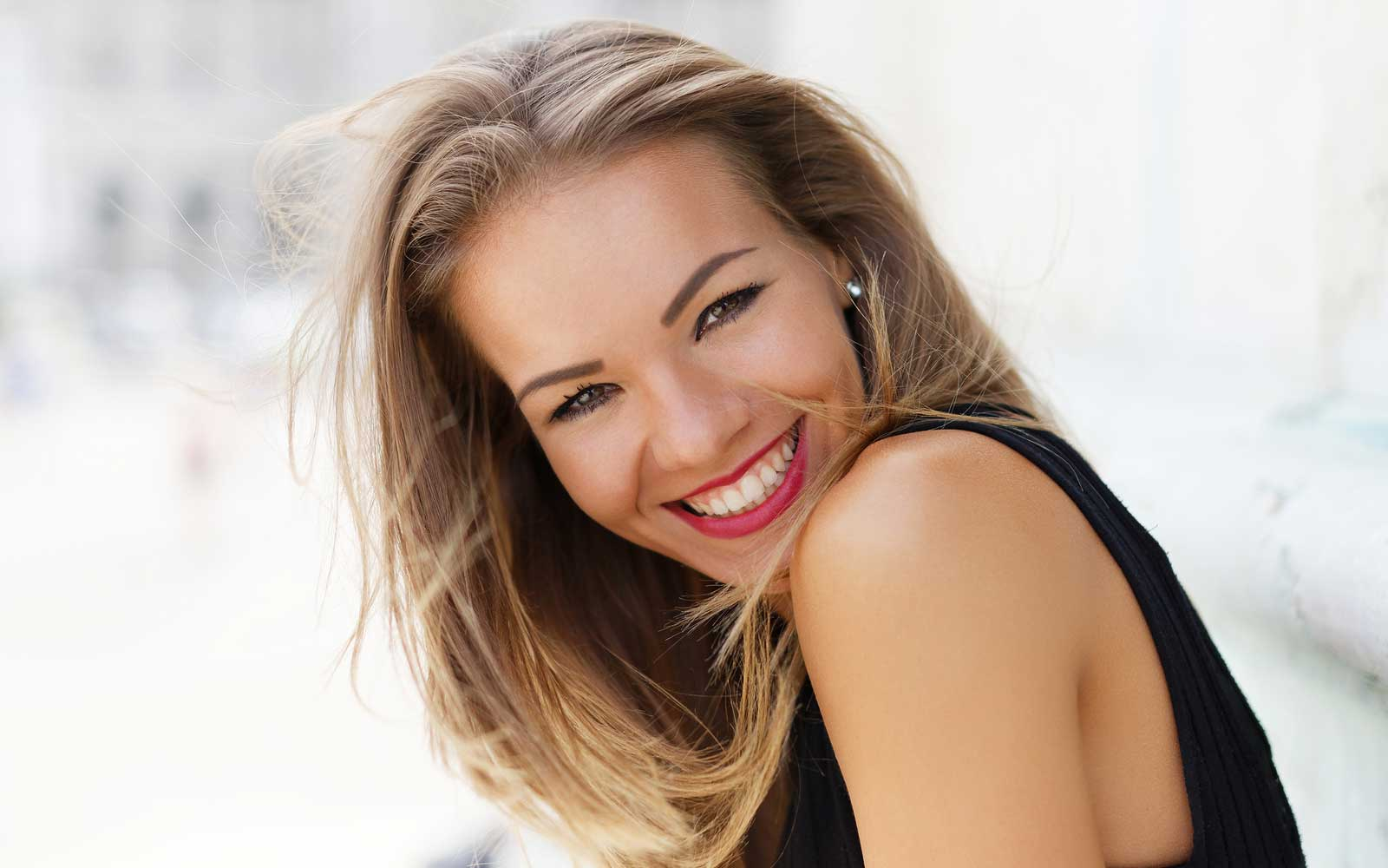 smile-makeover-dentist-dubai
